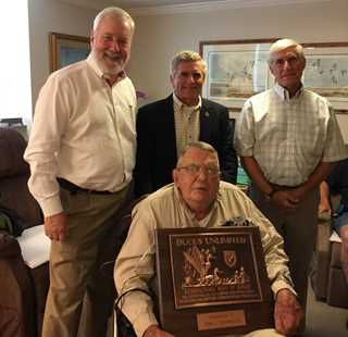 Tom Disharoon (seated) with (l-r) DU Asst. Tres. Rich Johnson, DOD Chip Heaps and Richmond Chapter Committee Member Tommy Davidson
