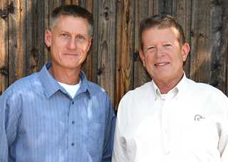 Erik Wettersten (l) and Kirk Davidson received the highest Ducks Unlimited fundraising honors