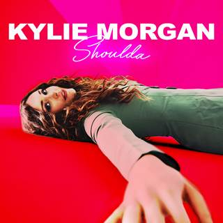 kylie-shoulda